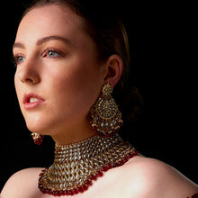 Load image into Gallery viewer, Regal Necklace Set with Earrings & Tikka