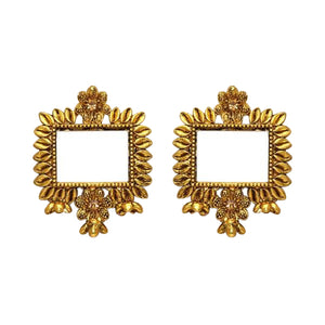 Beautiful and intricate lightweight gold mirror studs with rectangular shaped mirror in the middle. These earrings are perfect for all occasions including everyday wear, parties and even for work.
