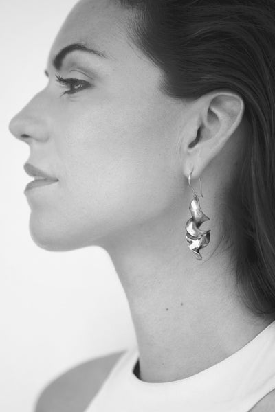 Sirena Twist Earrings in Silverplate
