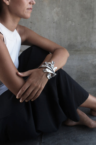 The statement Sirena Cuff on you.