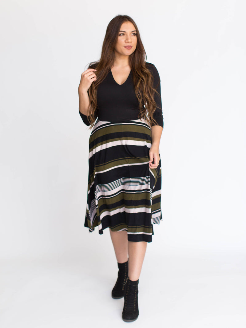 Essential Midi Dress - Contrast
