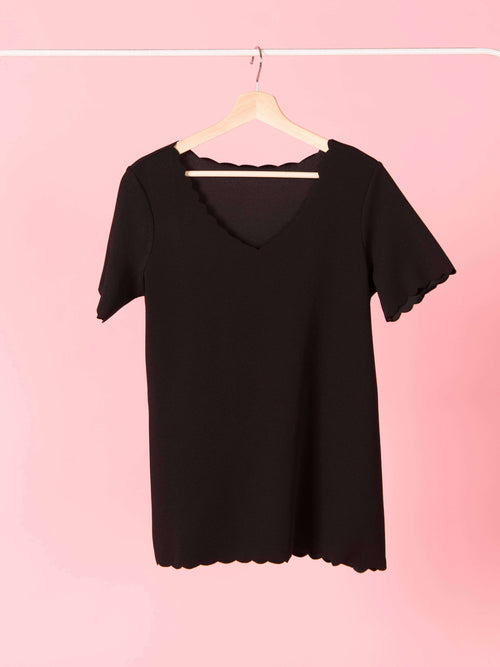Scalloped Top Black - Agnes & Dora™
