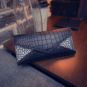 Reptile Pattern Leather Purse. Available In 5 Colours. - Hidden Gem Bags & Accessories.
