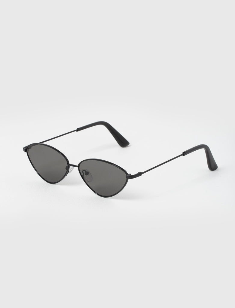 CAT EYE ALL BLACK METAL SUNGLASSES