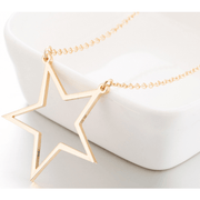 Stars Hollow Necklace in Gold