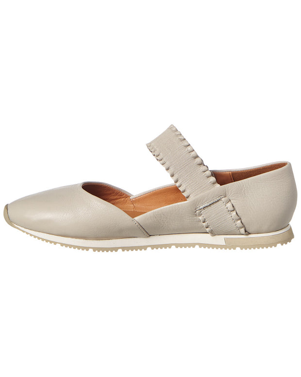 Gentle Souls By Kenneth Cole Luca Ruffle Strap Leather Flat