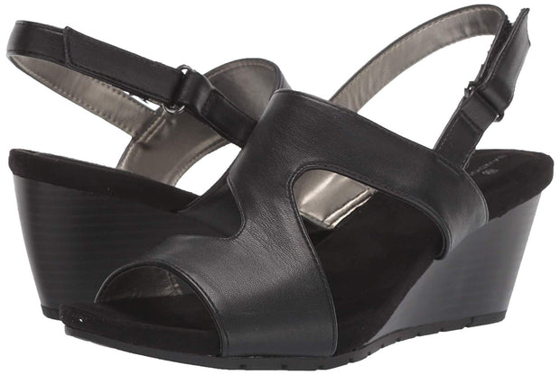Bandolino Footwear Womens Gannet3 Fabric Open Toe Casual Slingback Sandals