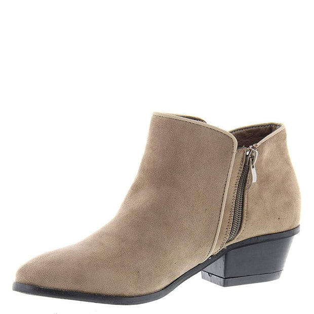 Masseys Womens Addie Closed Toe Ankle Fashion Boots