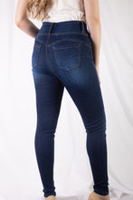 Load image into Gallery viewer, 3 Button Sandblasted Jean
