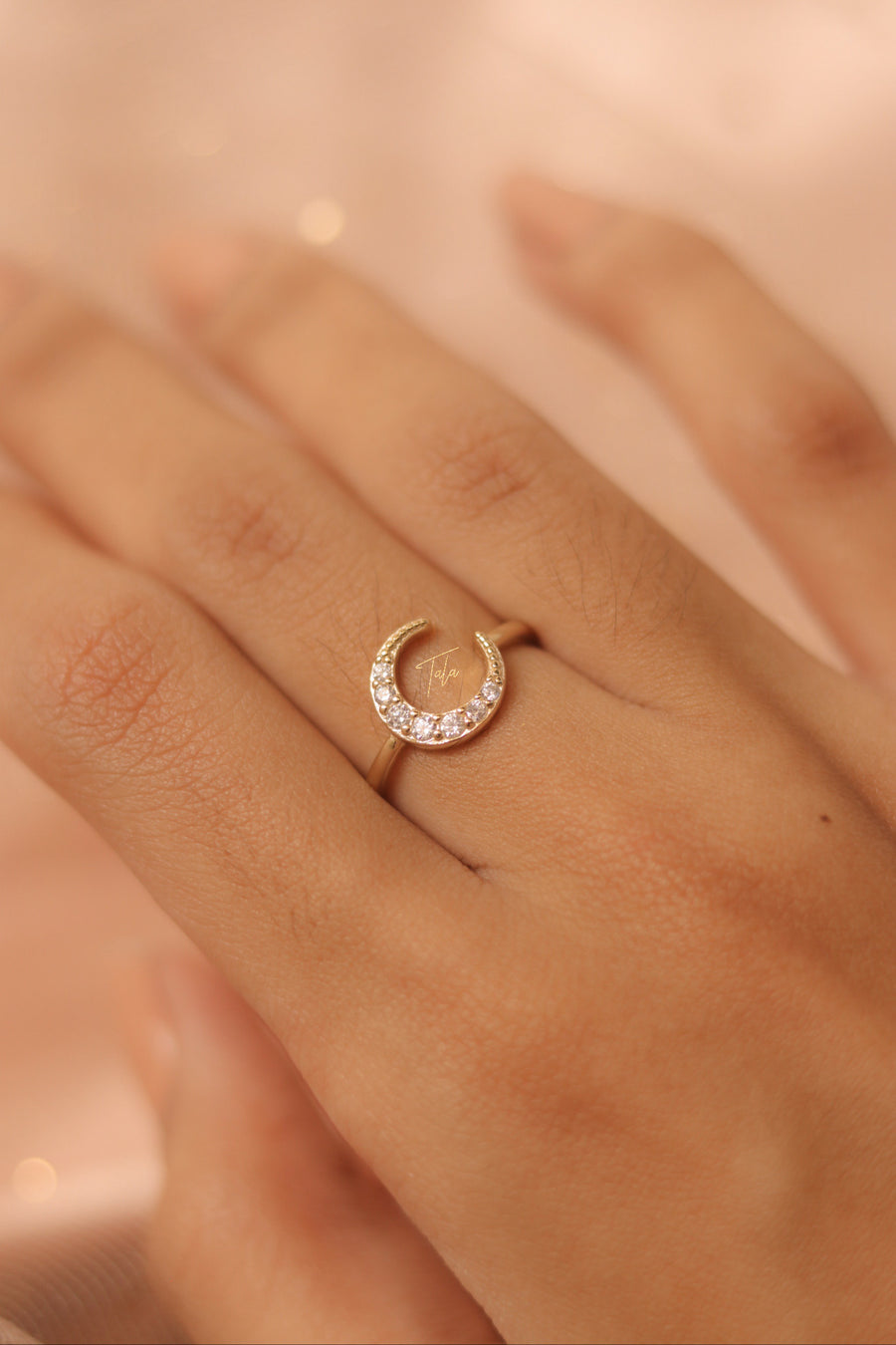 Cresere Ring