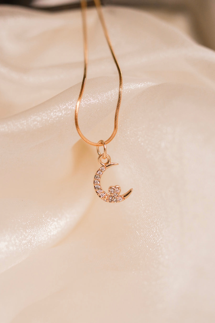 Dainty Moonheart Necklace