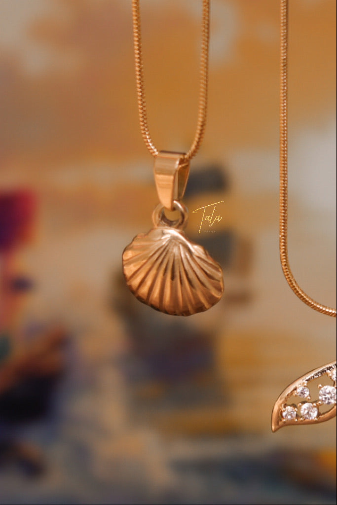 Ariel's Simple Shell Necklace