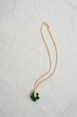 Sisi Joia Cream and Green Fleur Necklace