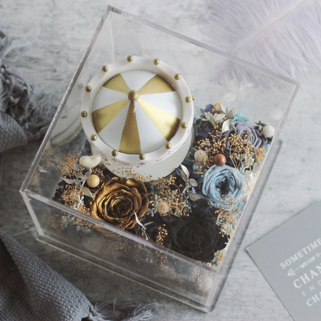 Preserved Flower - Carousel with Music and LED light (gold/black)