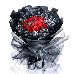 11 Preserved Roses Proposal Bouquet (Black & Red)