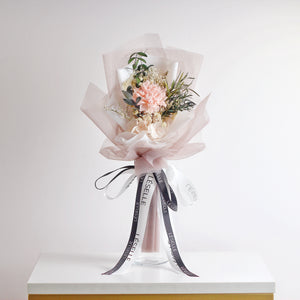 Single Carnation Bouquet (Champagne)