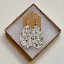 Load image into Gallery viewer, Eucalyptus Cork Earrings