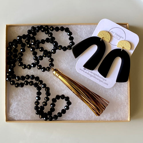 Metropolitan Acrylic Earring and Necklace Gift Set