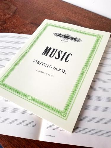 Peters Music Writing Book: Large 9x12 Portrait