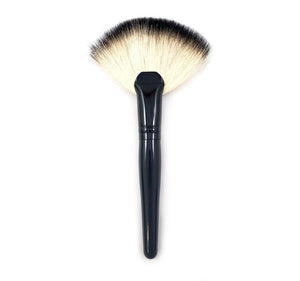 Morphe Jumbo Badger Fan Brush B28 - Sculpt Cosmetics