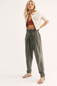 Margate Pleated Trouser In Sugar Kelp