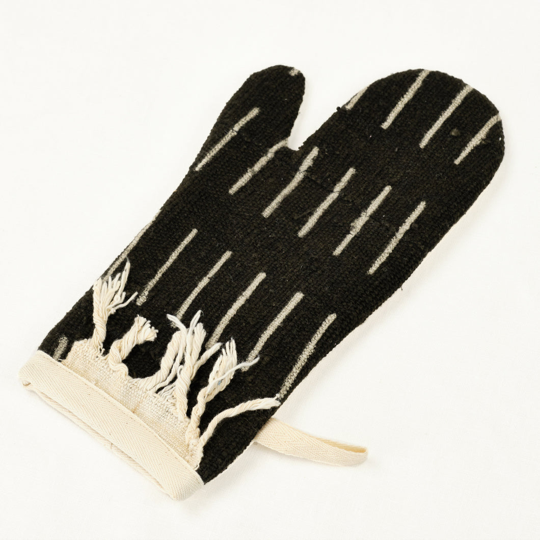 black and cream oven mitt