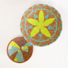 Load image into Gallery viewer, African plateau basket bowl in natural, yellow and aqua