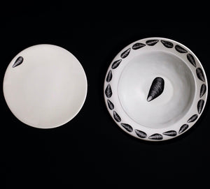 The Oceanic Collection: the 12-piece dinner Set