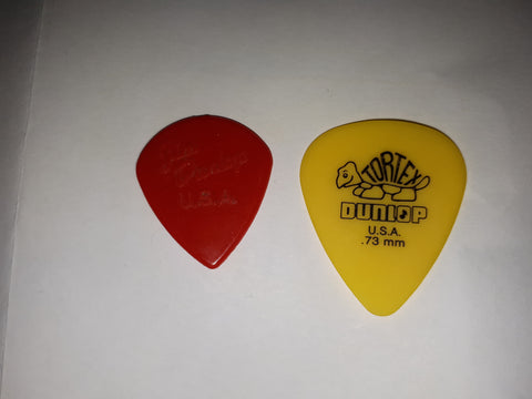 guitar pick size difference