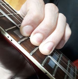 electric guitar tips and tricks