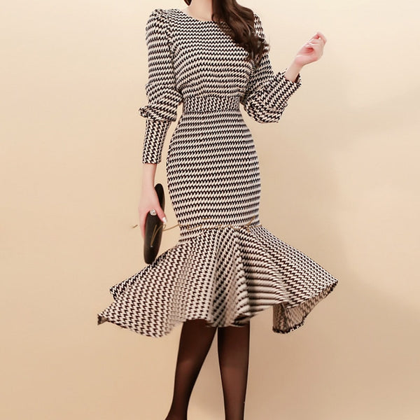 2019 Spring Women Lattice Elegant 2-Piece Suits Korean Puff Sleeve Grid Crop Top & Mermaid Bodycon Slim Waist Skirt OL Set