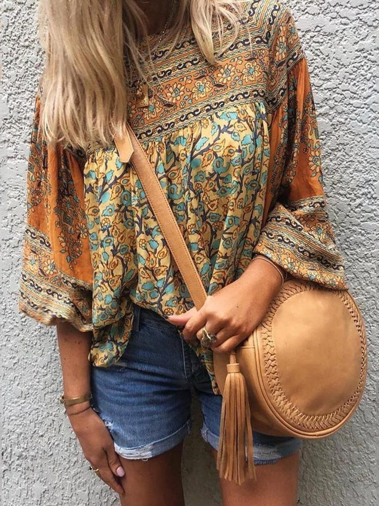 Round Neck Print Floral Standard Three-Quarter Sleeve Blouse