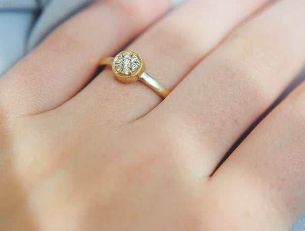 Item No. R003   Circle Diamond Ring