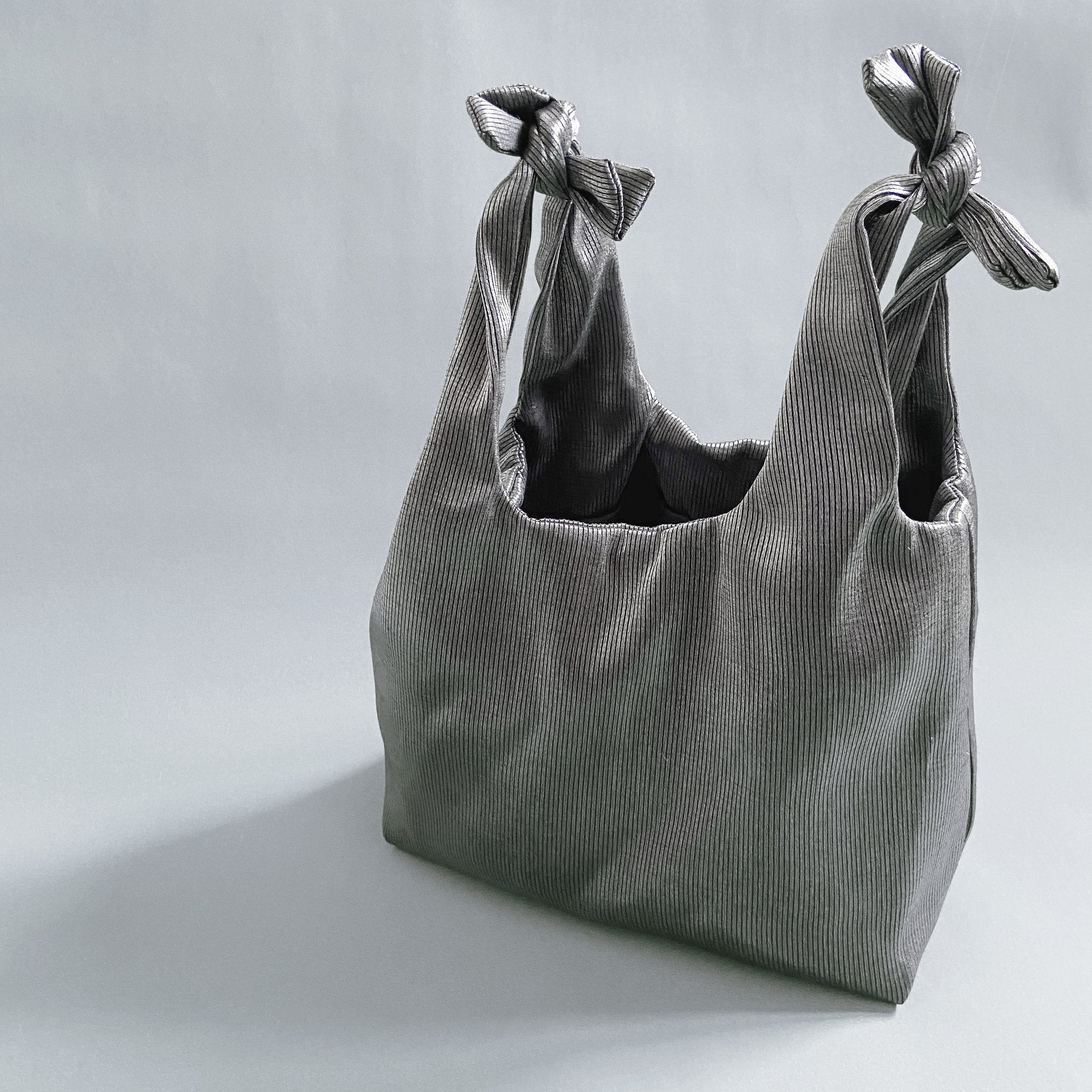 THIRTY NINE STUDIO | FOUR | Silver Tie Shopper