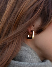 Load image into Gallery viewer, Nordic Muse Thick Square Hoop Earring, Gold