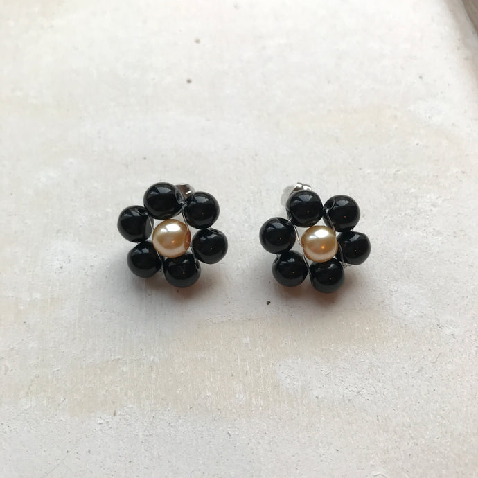 Blóma! X The Norah Store // Single Daisy Earrings in Black and Cream