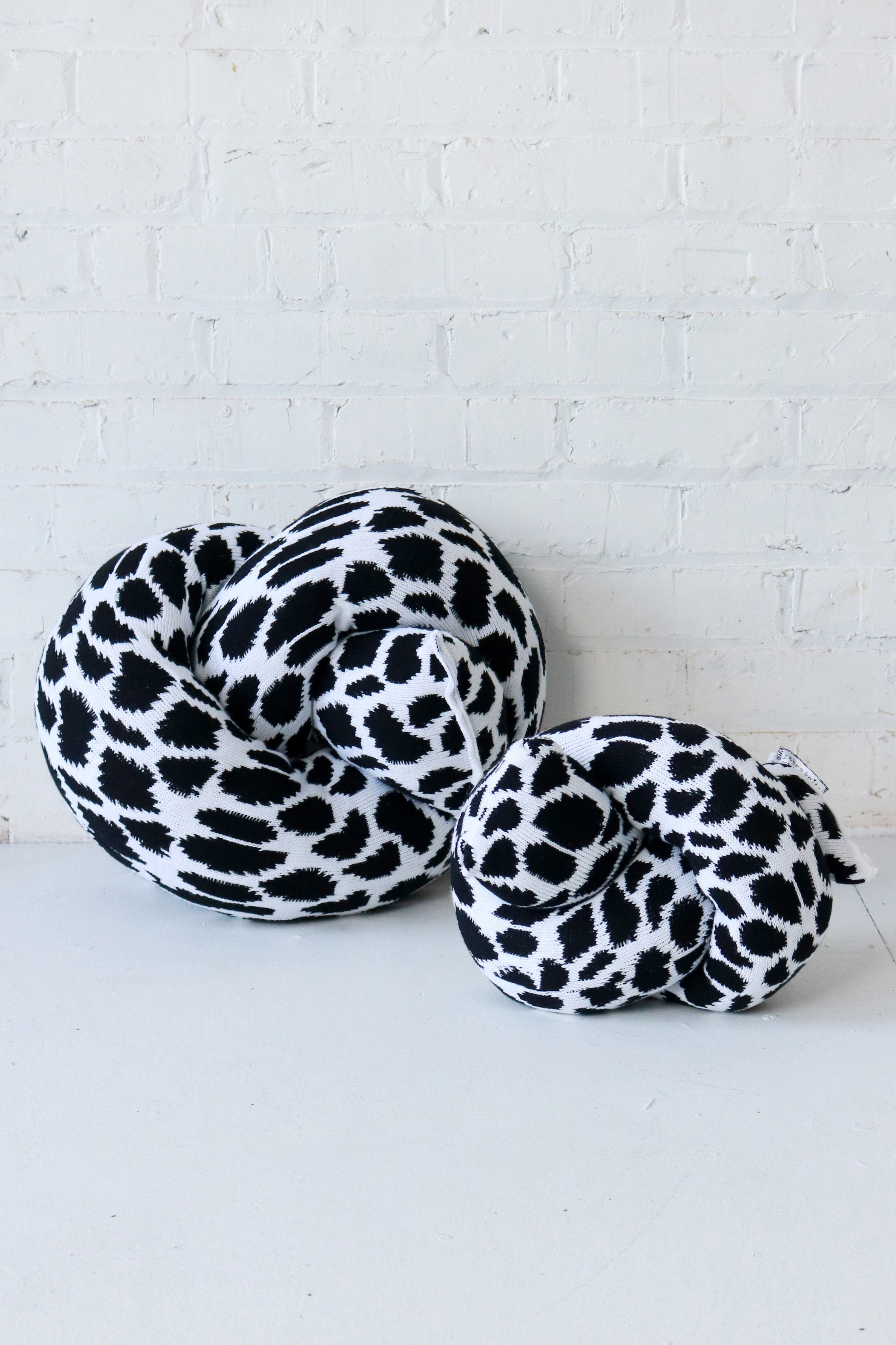 Cow Knot | Mini | Black and White