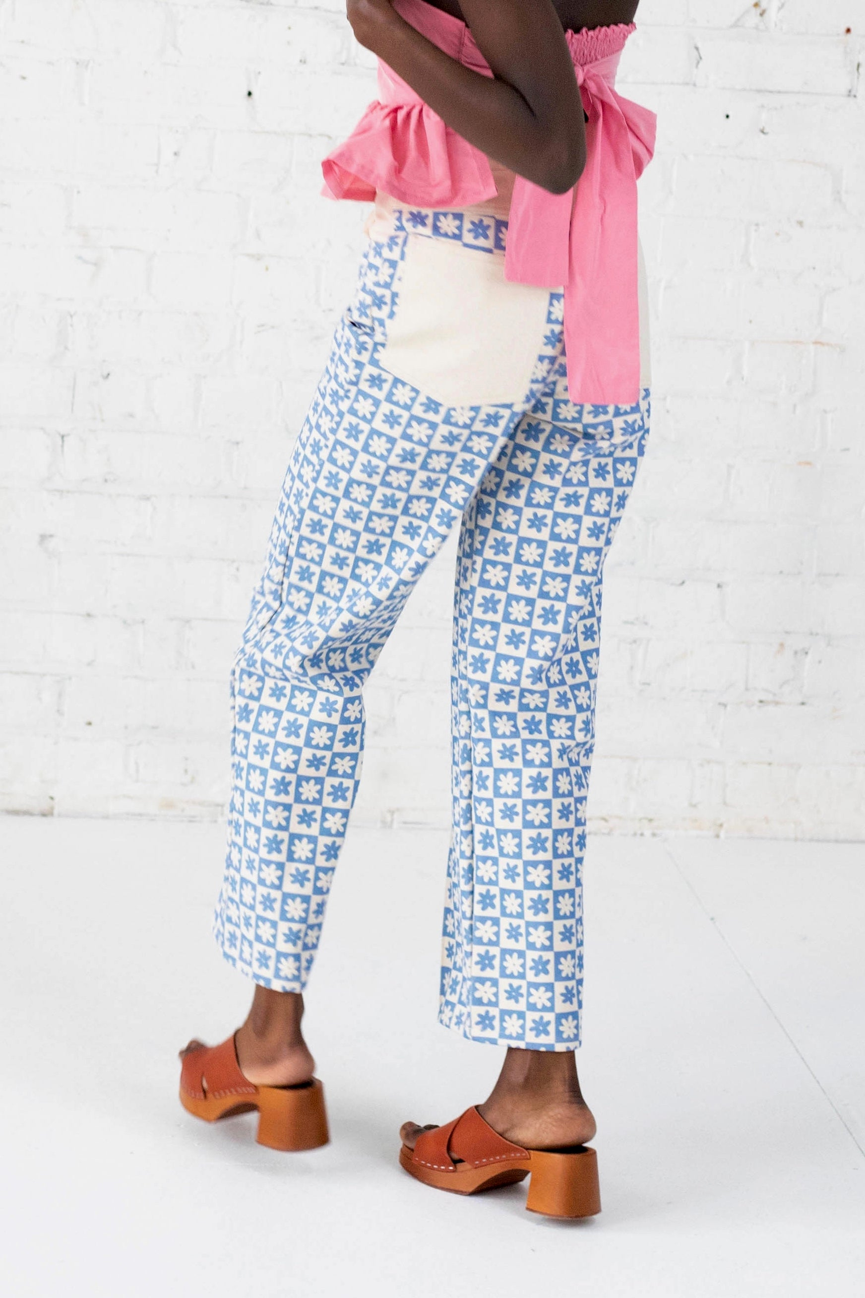 Robyn Jean in Blue Daisy Check