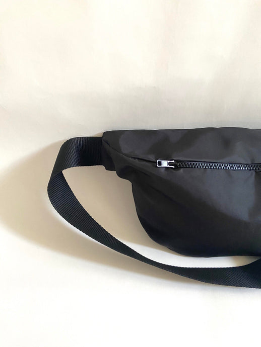 THIRTY NINE STUDIO | SIXTY EIGHT | Black Oversized Bumbag