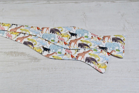 Liberty Queue for the Zoo Mens Self Tie Bow Tie