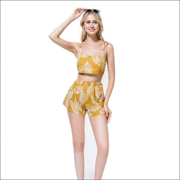 Leaf Print Crop Camisole And Wide Leg Shorts Set - M /