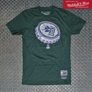 Mitchell & Ness Milwaukee Bucks NBA Bottle Cap T-Shirt BMTRCW19305-MBUGREN