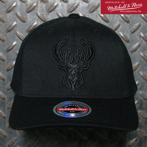 Mitchell & Ness Milwaukee Bucks Blacklight Redline Snapback 6HSSMM19476-MBUBLCK
