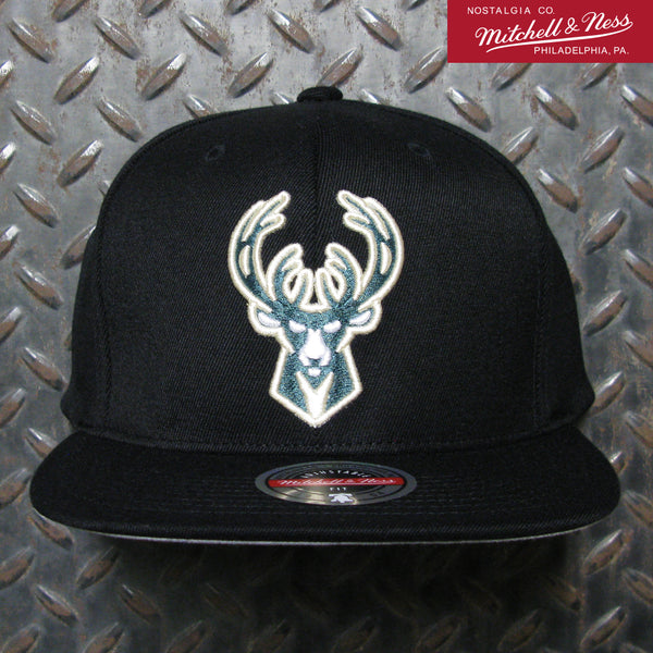 Mitchell & Ness Milwaukee Bucks Downtime Redline Snapback 6HSSMM19508-MBUBLCK