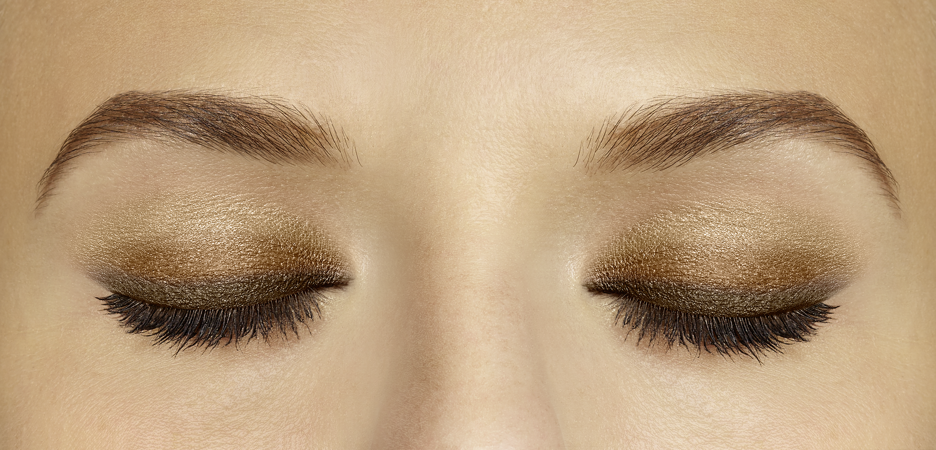 maquillage yeux smoky eyes doré