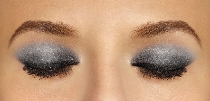 maquillage yeux smoky eyes noir