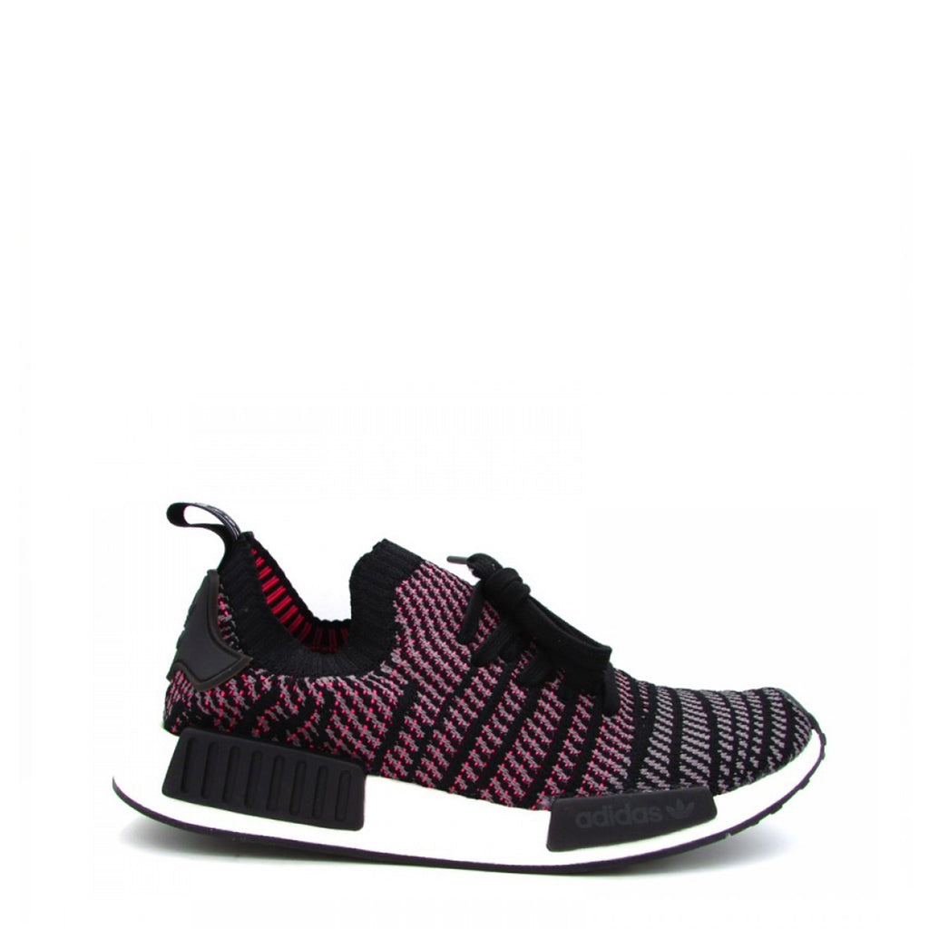 A black and purple Adidas Originals Trainers Shoes with knitted fabric and white rubber sole by the name NMD R1