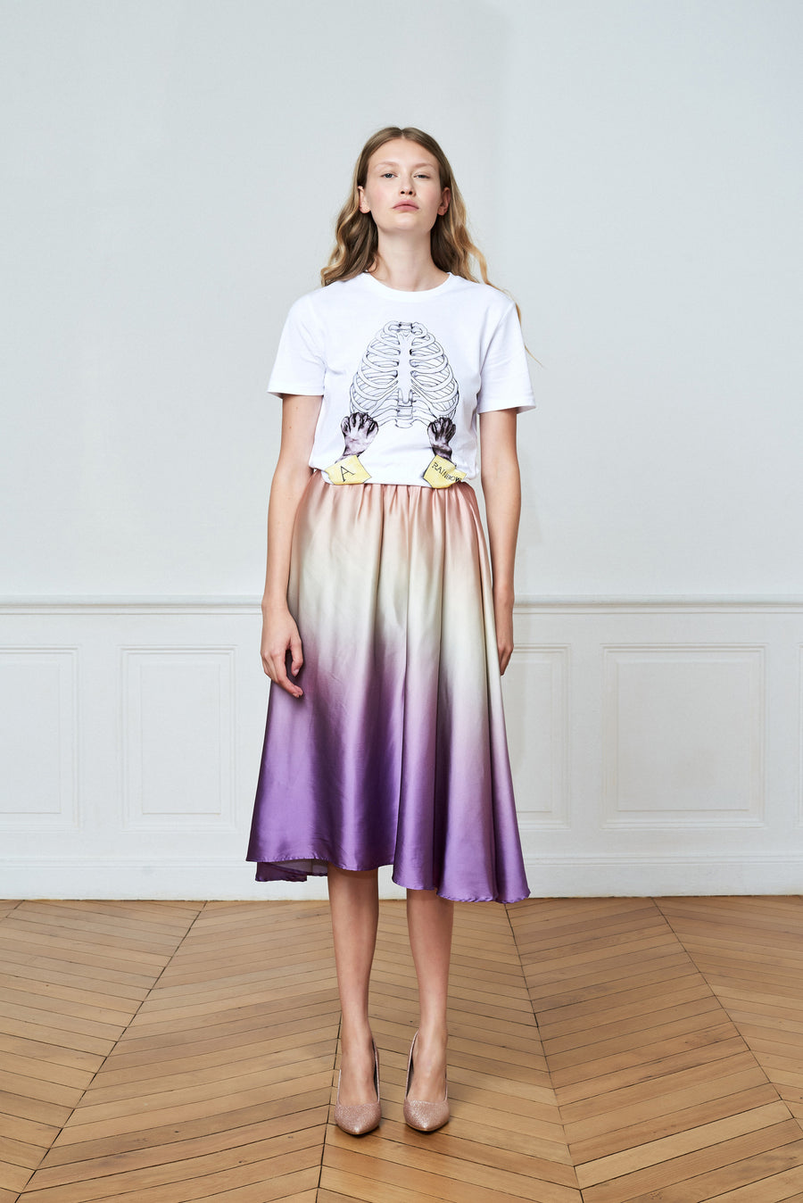 Theme Graphic Prints T-shirt and Gradient Over Knee Skirt