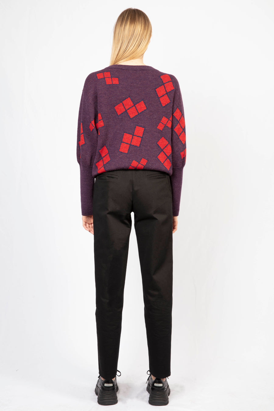 Oversize Jumper/High-waisted tailored trousers