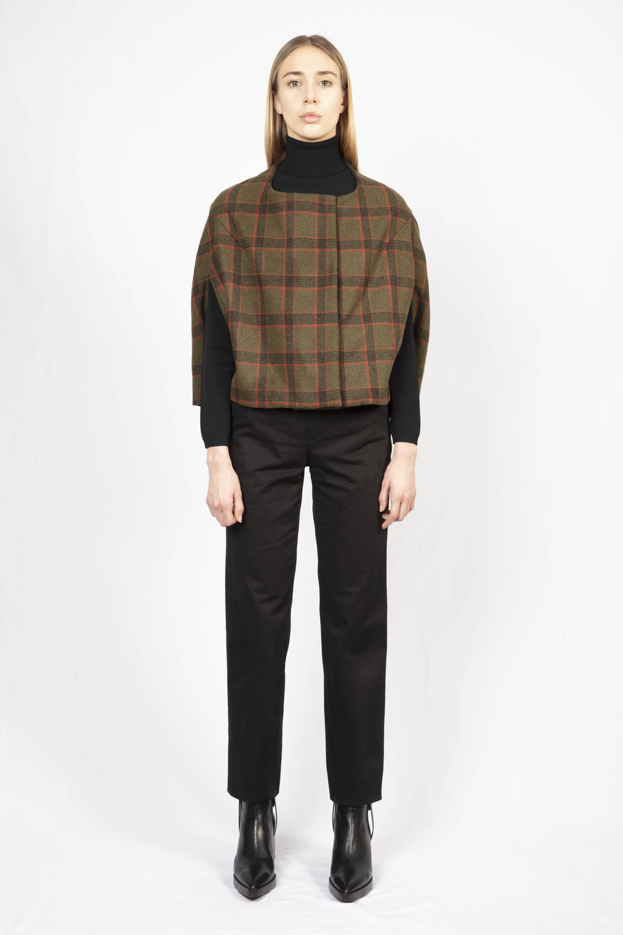 Short Checked Cape/High-Waisted tailored Pants